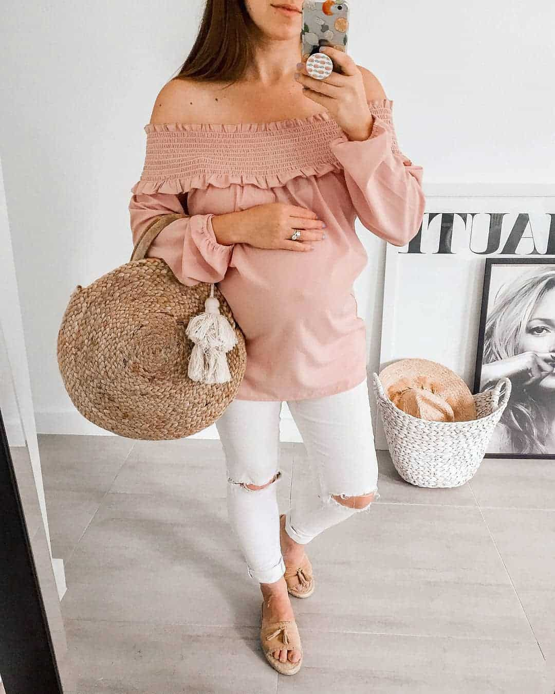 What to wear to a gender reveal party?
